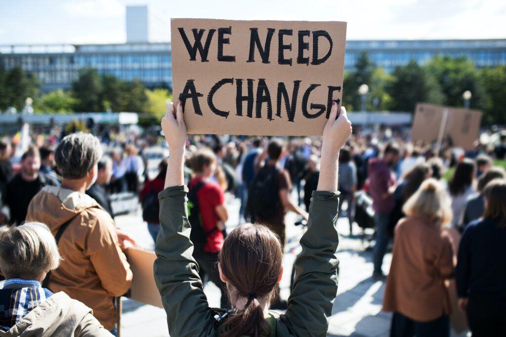 climat change protestants - summalinguae.com