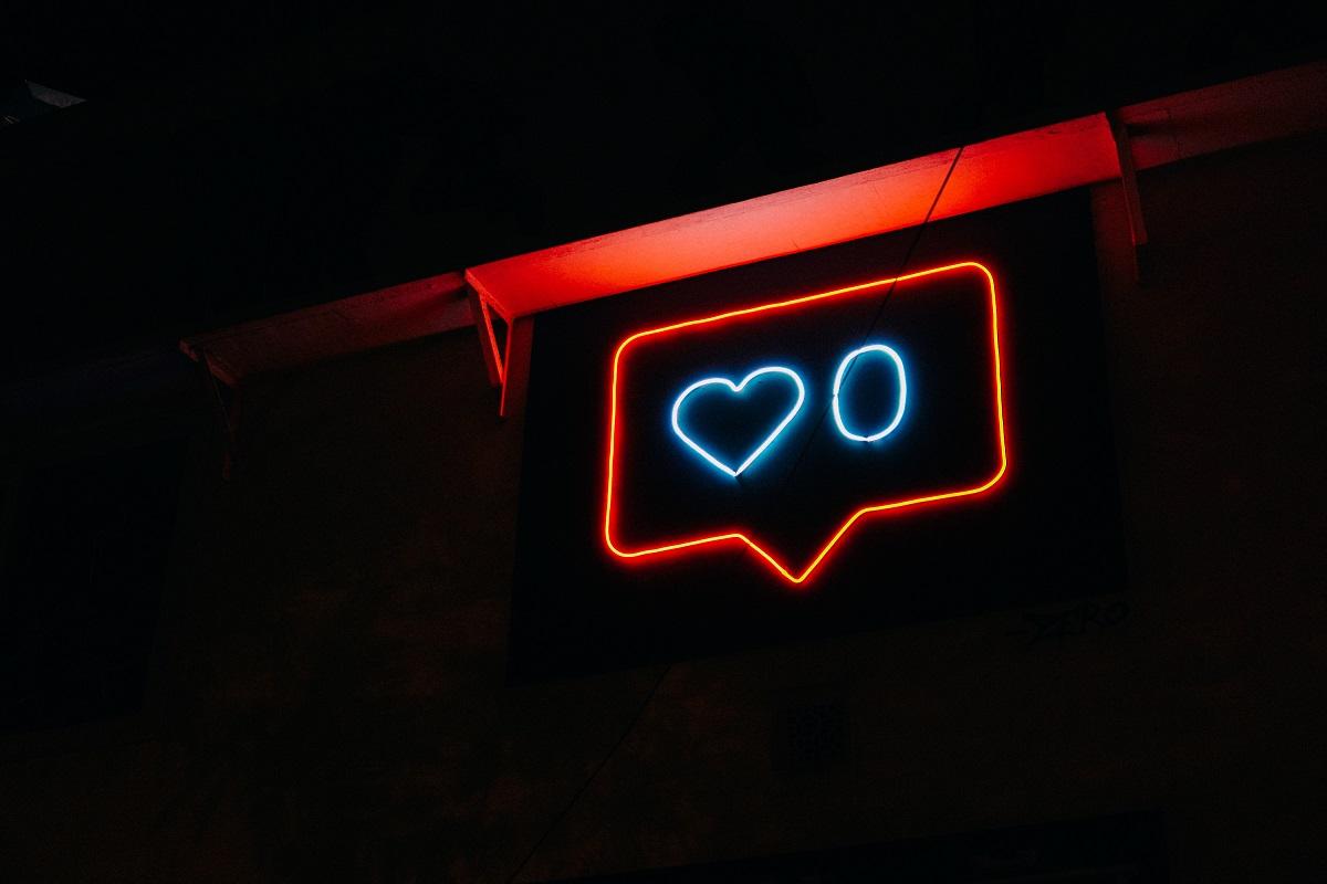 tekstboble fra sociale medier med 0 hjerter